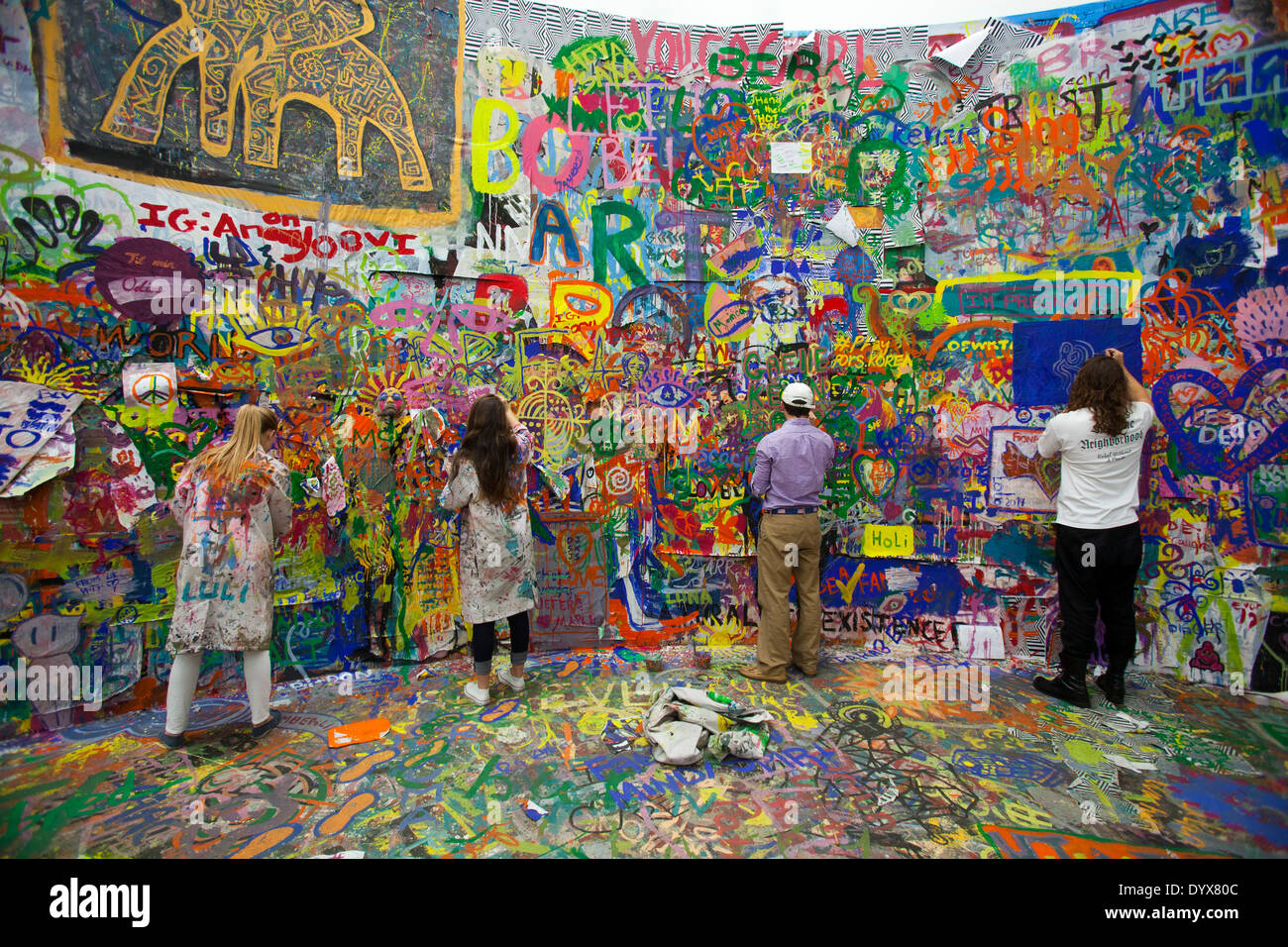 painting the walls at an exhibit, The New Museum, Manhattan, New York City, New York - Stock Image