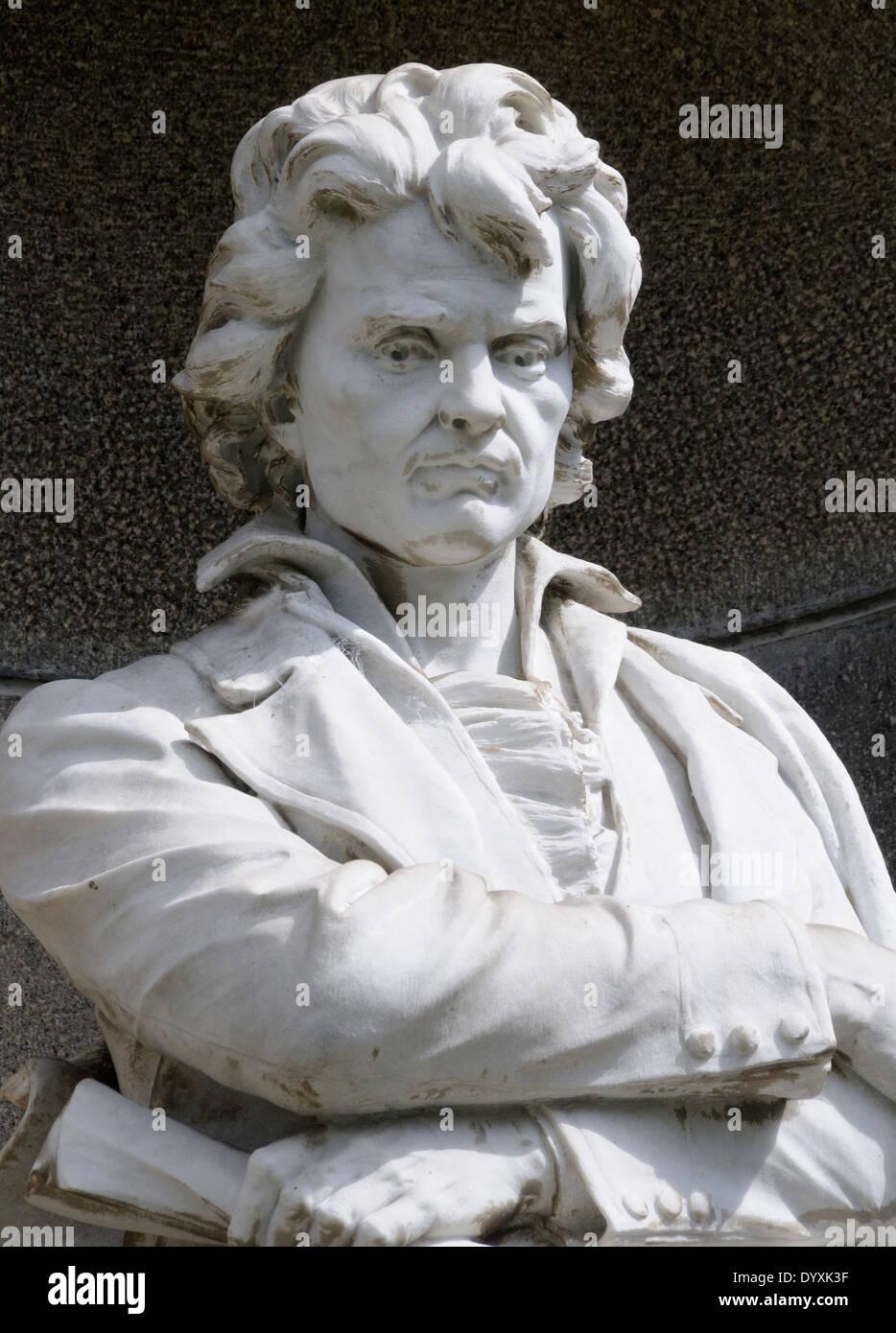 Statue of Ludwig van Beethoven outside the Teatro Nacional, National Theatre, Plaza de la Cultura. San Jose, Costa Rica. - Stock Image
