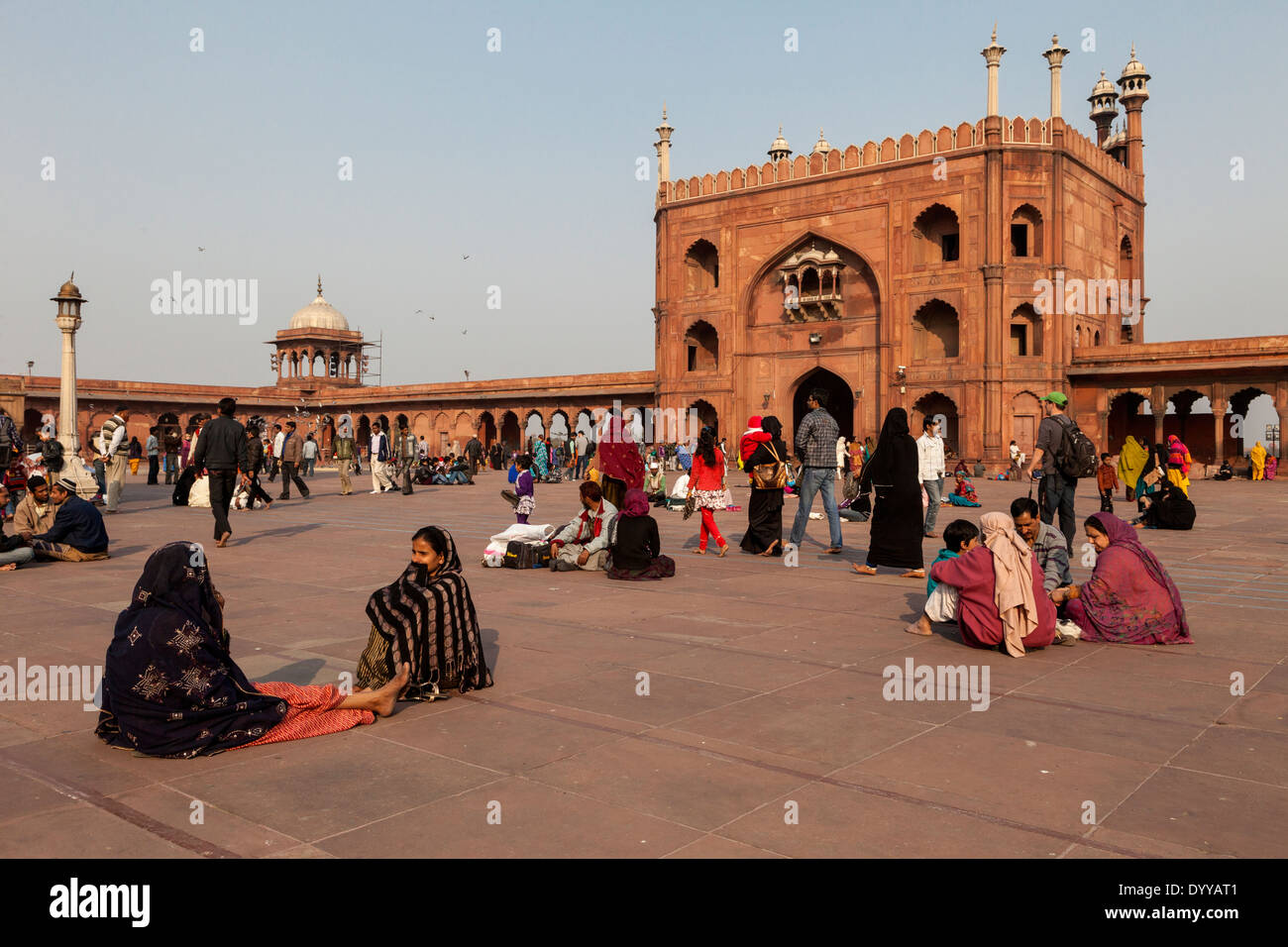 New Delhi, India. Courtyard of the Jama Masjid (Friday Mosque), India's largest mosque, built 1644-1656. - Stock Image