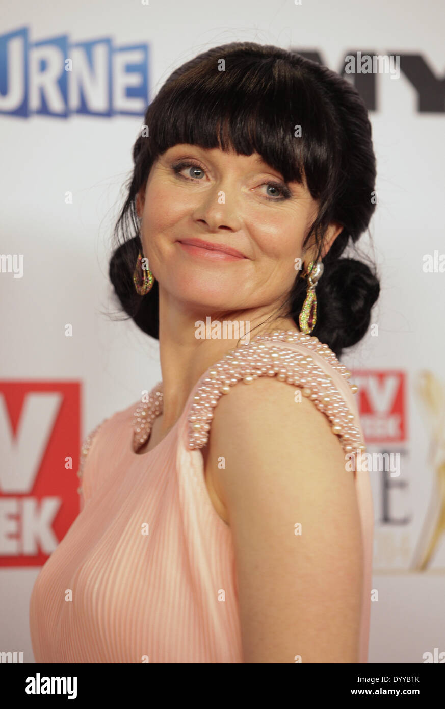photo Essie Davis