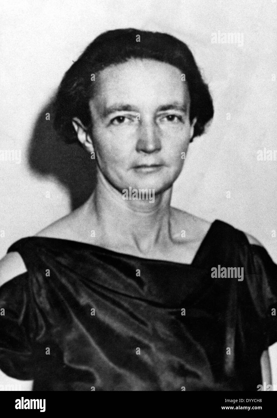 Irene Joliot-Curie: photo and biography of the Nobel Prize winner 43