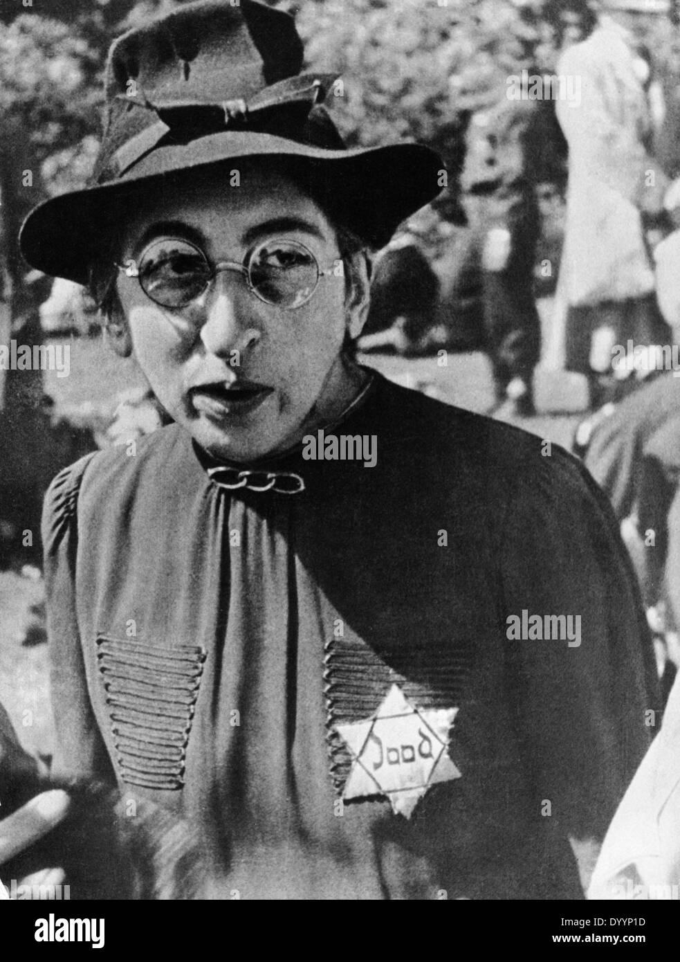 Dutch Jewish woman with Yellow badge - Stock Image