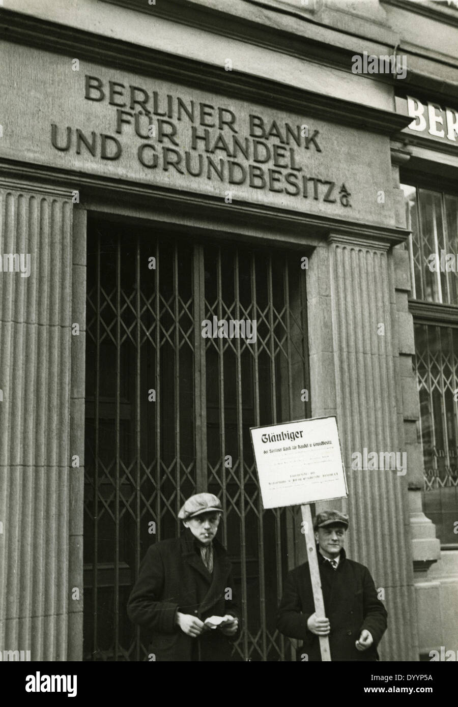World economic crisis: banks, stock market, Protest in front of a bank during the Great Depression in Berlin, 1931 - Stock Image