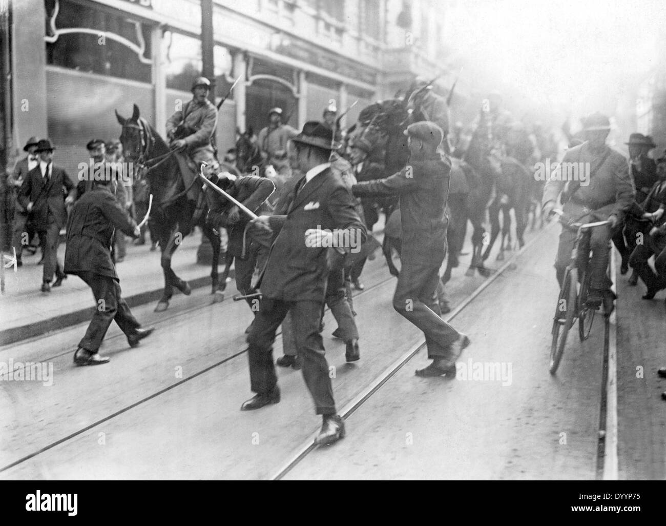 French cavalrymen intervene between separatists and their opponents, 1923 - Stock Image