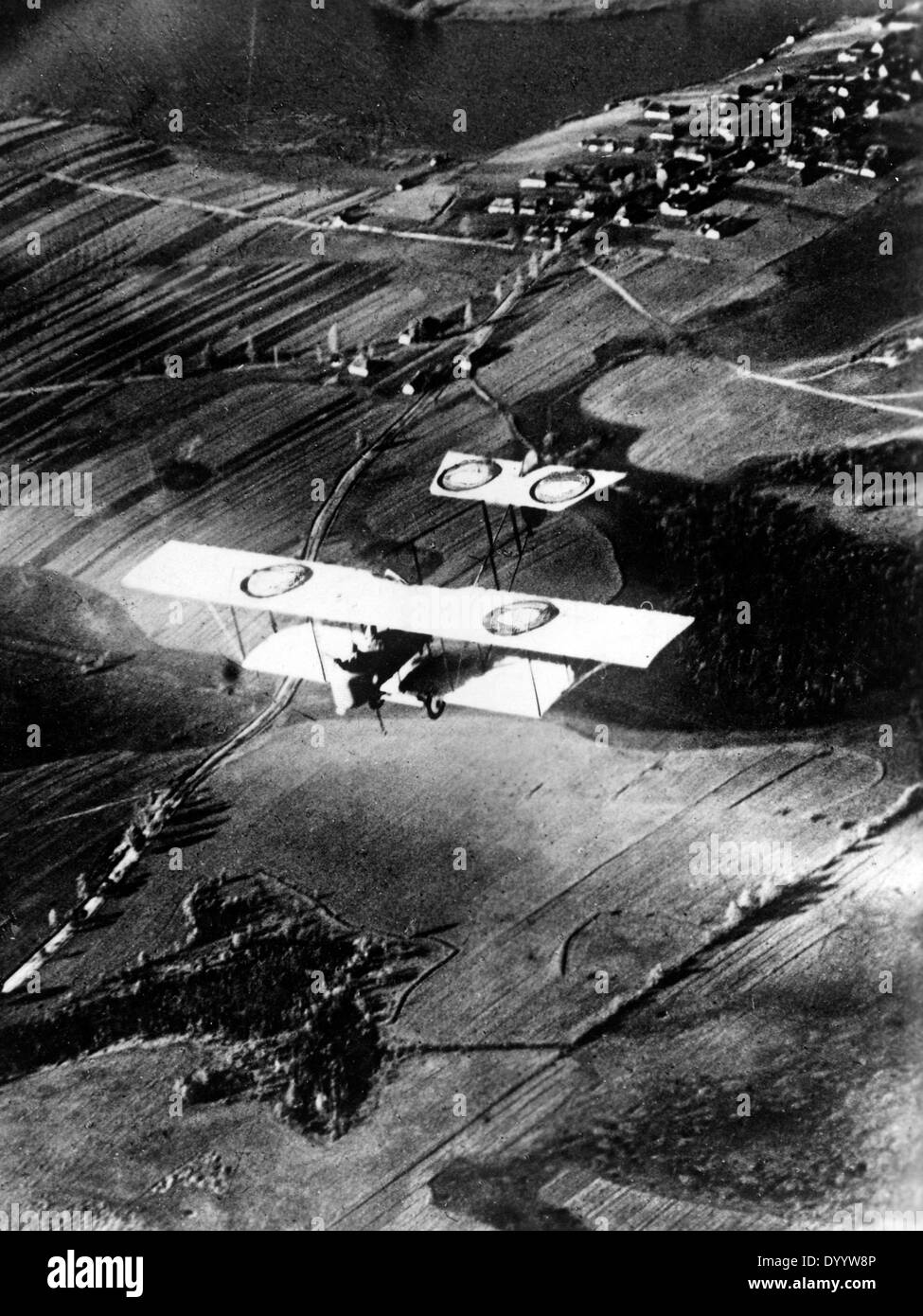 Emergency landing of a French recon aircraft at the western front, 1917 - Stock Image