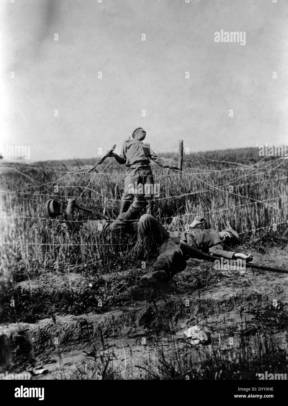 Wwi Soldiers Barbed Wire Stock Photos & Wwi Soldiers Barbed Wire ...