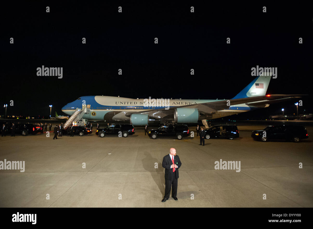 Air Force One Touches Down in Tokyo - Stock Image