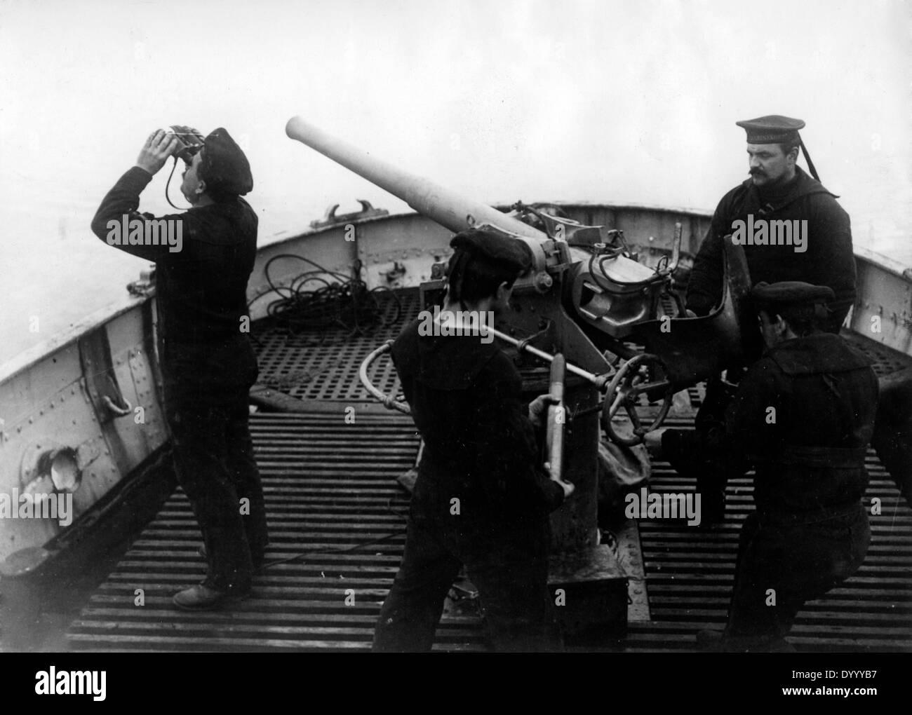 Sailors on bord of a German patrol ship, 1916 - Stock Image