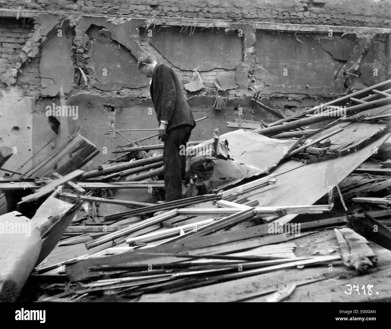 Demolished plumbers workshop, 1918 - Stock Image