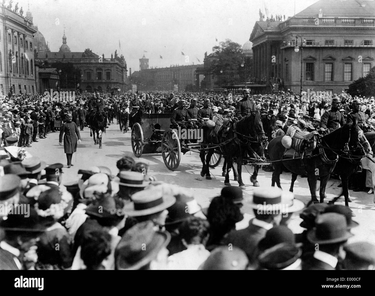 Military parade with war loot, 1914 - Stock Image