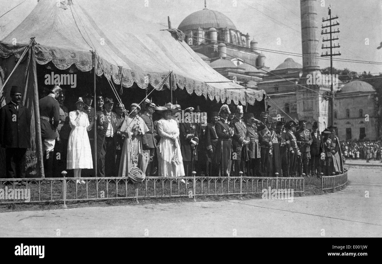 Ambassadors expect the new Sultan Mehmed VI, 1914 Stock Photo