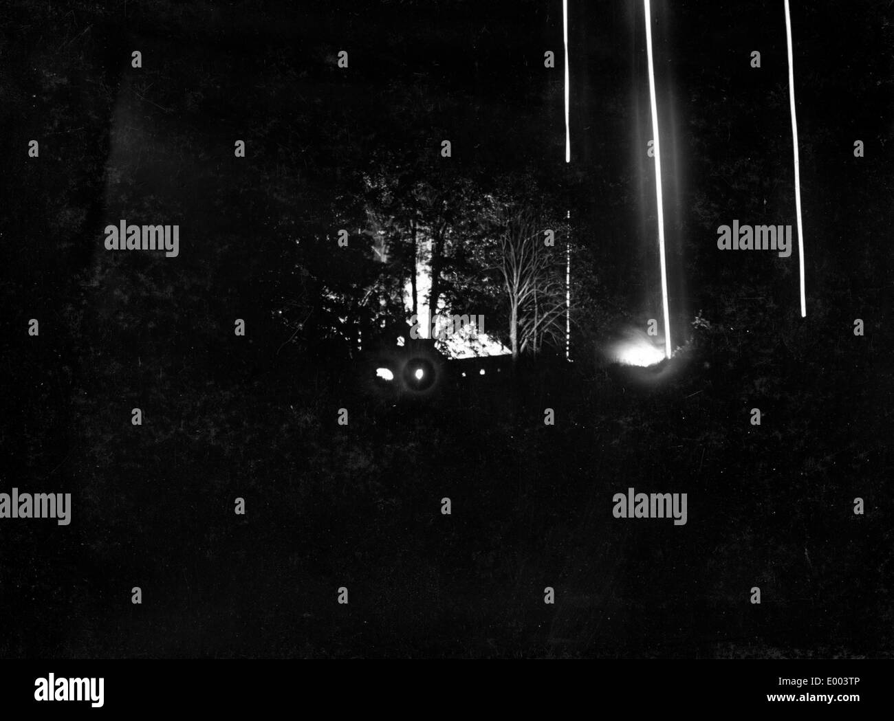 Rocket flares illuminate Russian emplacements, 1915 - Stock Image