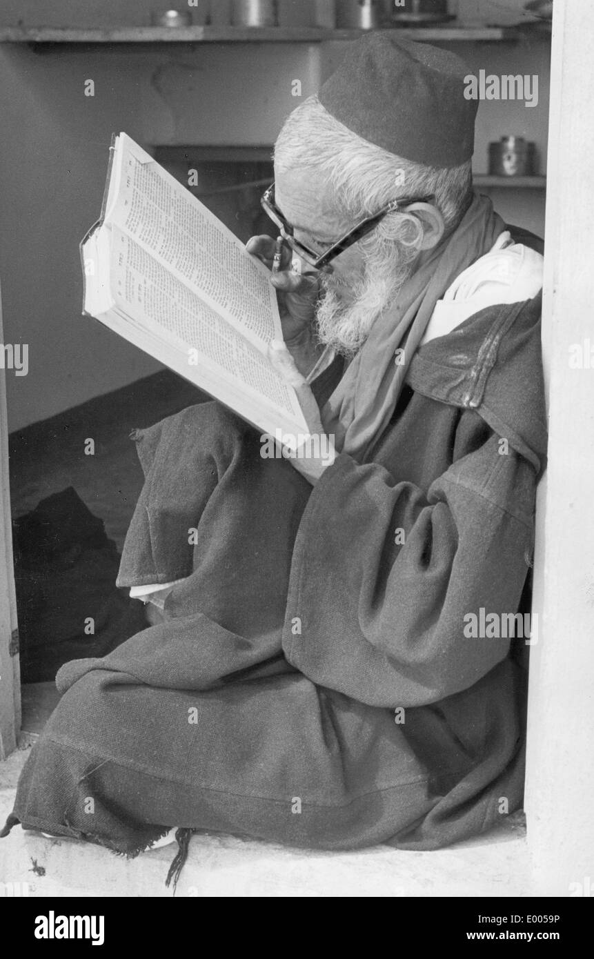 Rabbi with the Talmud - Stock Image