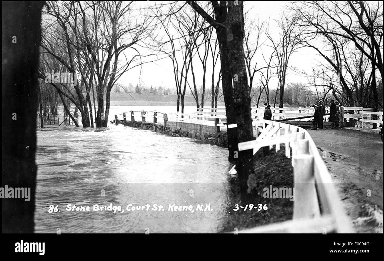 Flood of 1936, Keene NH - Stone Bridge, Court Street - Stock Image