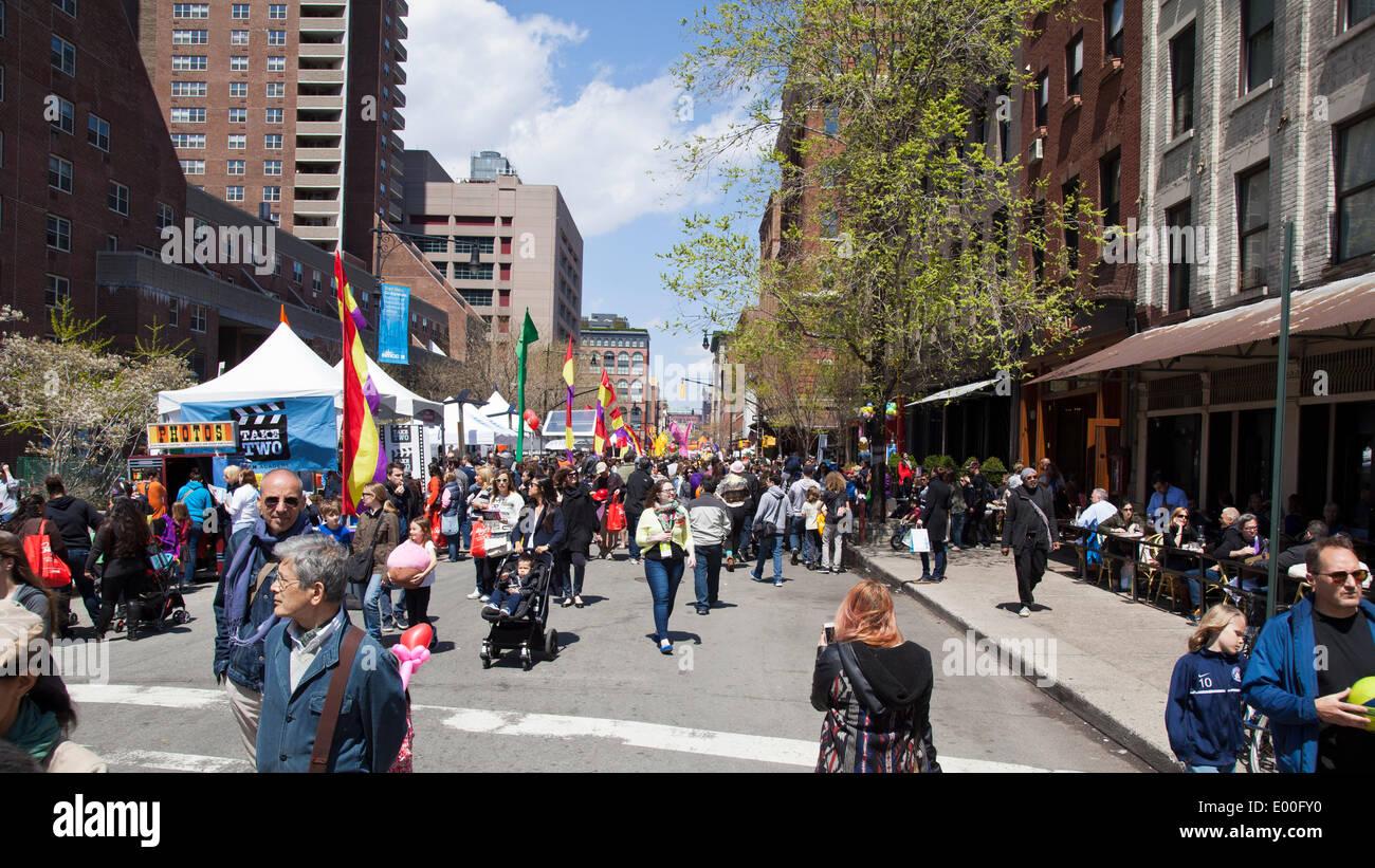 New York, USA. 27th Apr, 2014. Street scene at the TriBeCa Family Festival, as part of the TriBeCa Film Festival, Stock Photo