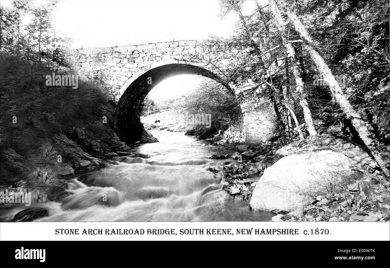 Stone Arch Bridge, South Keene NH - Stock Image