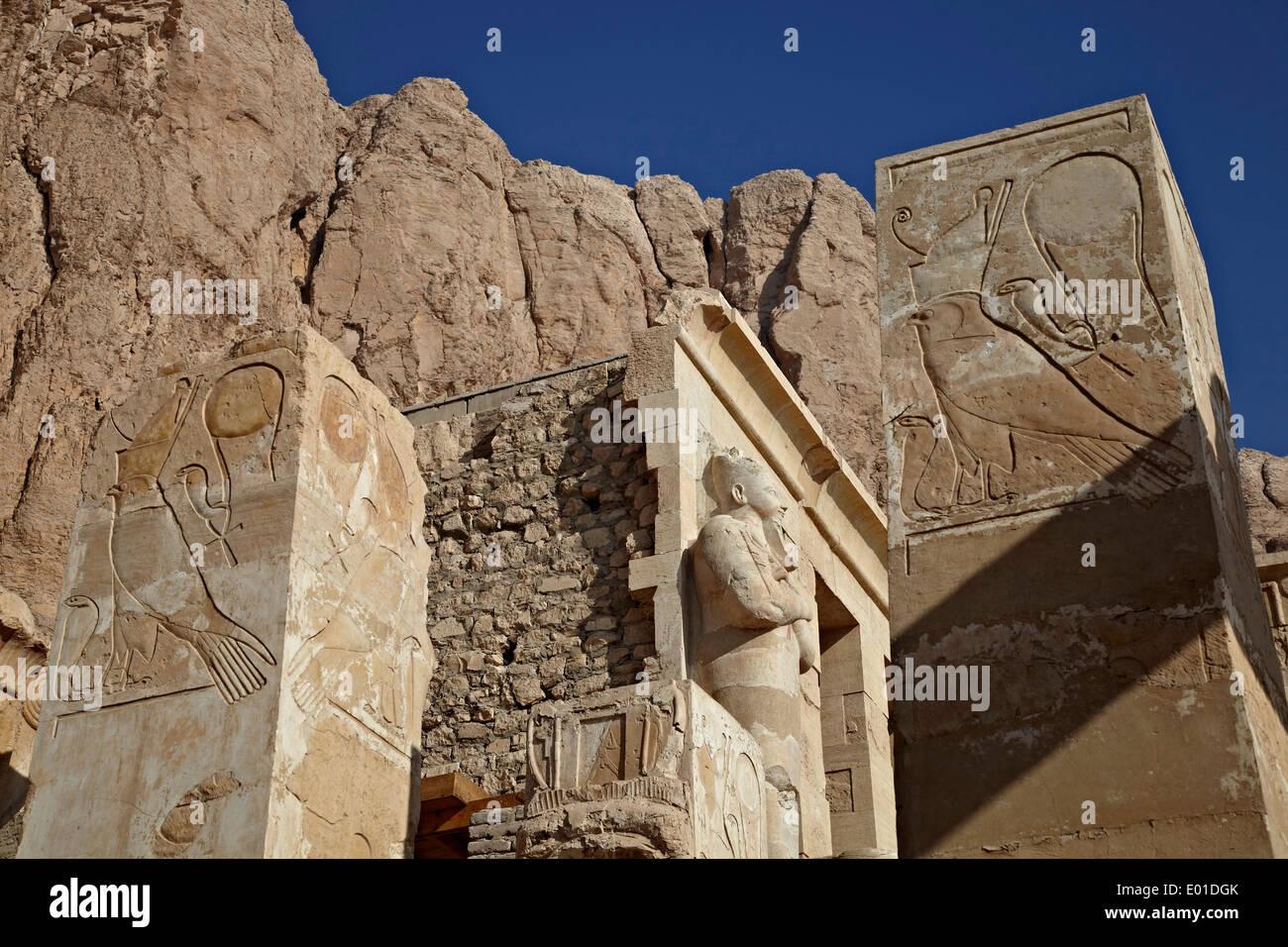 Colonnaded design of Hatshepsut temple, Temple of Queen Hatshepsut, Open air museum - Stock Image
