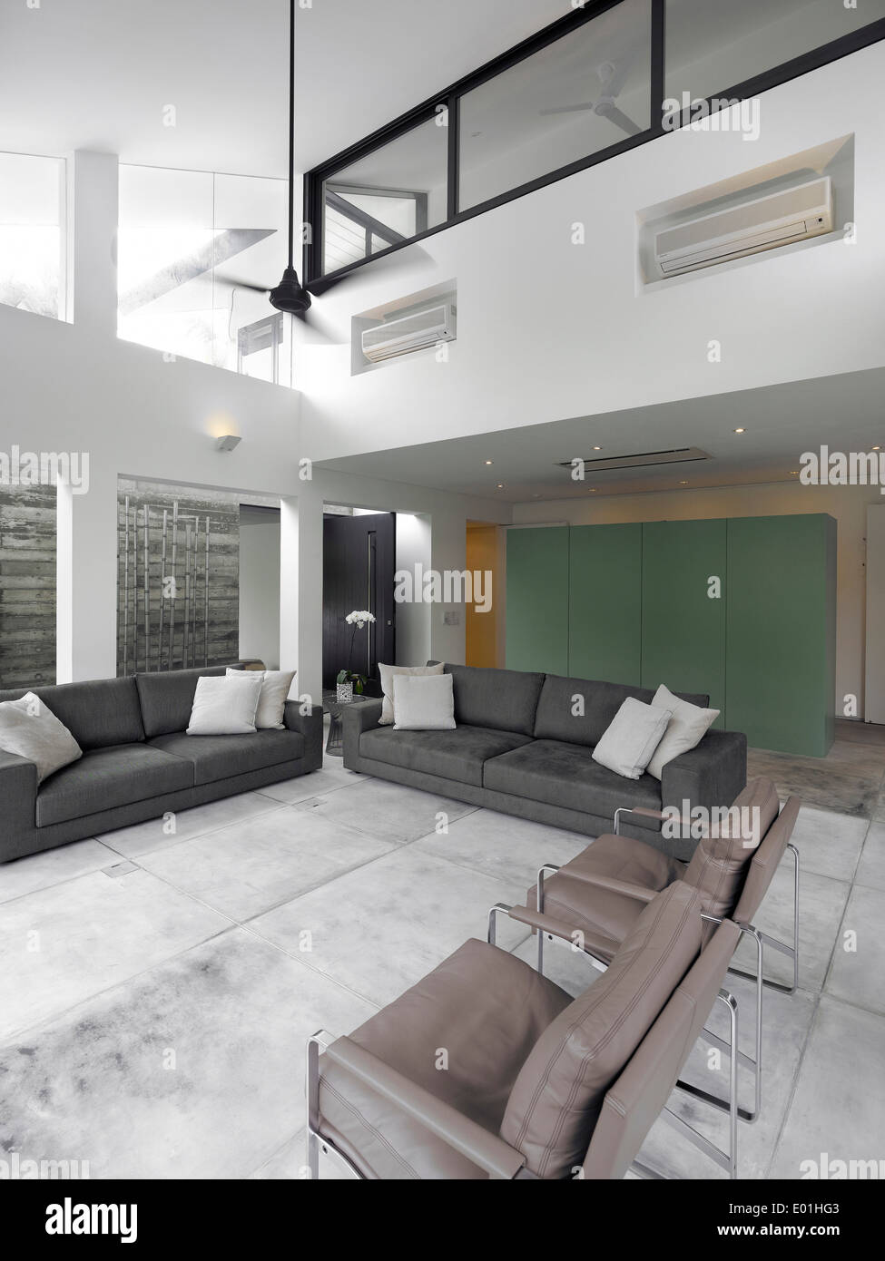 Double height living room in modern House Swiss Club Road Singapore & Double height living room in modern House Swiss Club Road ...