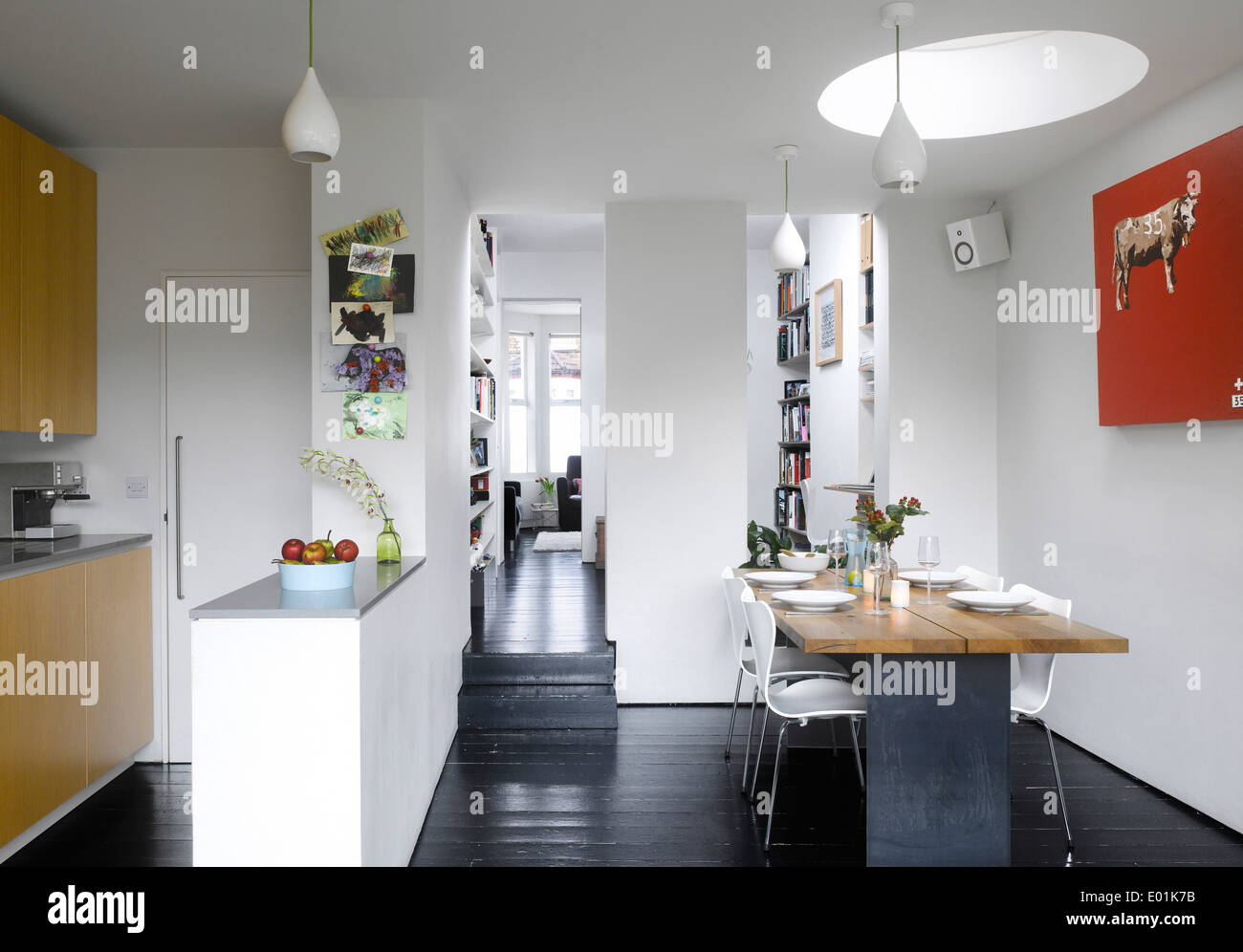 london victorian house hallway stock photos london victorian house hallway stock images alamy. Black Bedroom Furniture Sets. Home Design Ideas