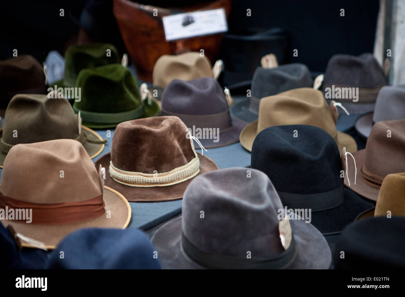 906e1227cd9ab6 Trilby Hats Stock Photos & Trilby Hats Stock Images - Alamy