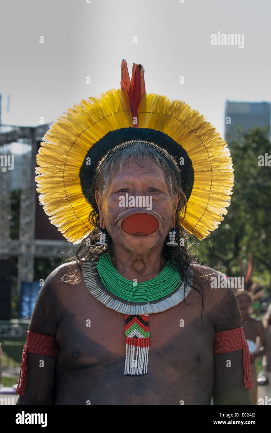Kayapo Chief Raoni Txucarrhamae with yellow headress. The People's Summit at the United Nations Conference on Sustainable Development, Rio de Janeiro, Brazil, 16th June 2012. - Stock Image