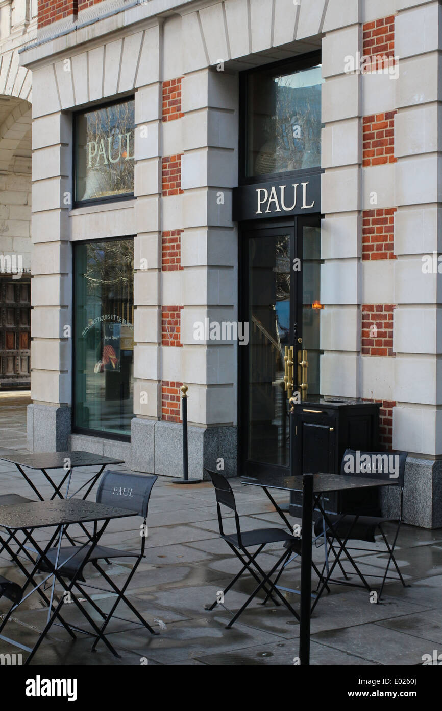 Paul bakery in Paternoster Square - Stock Image