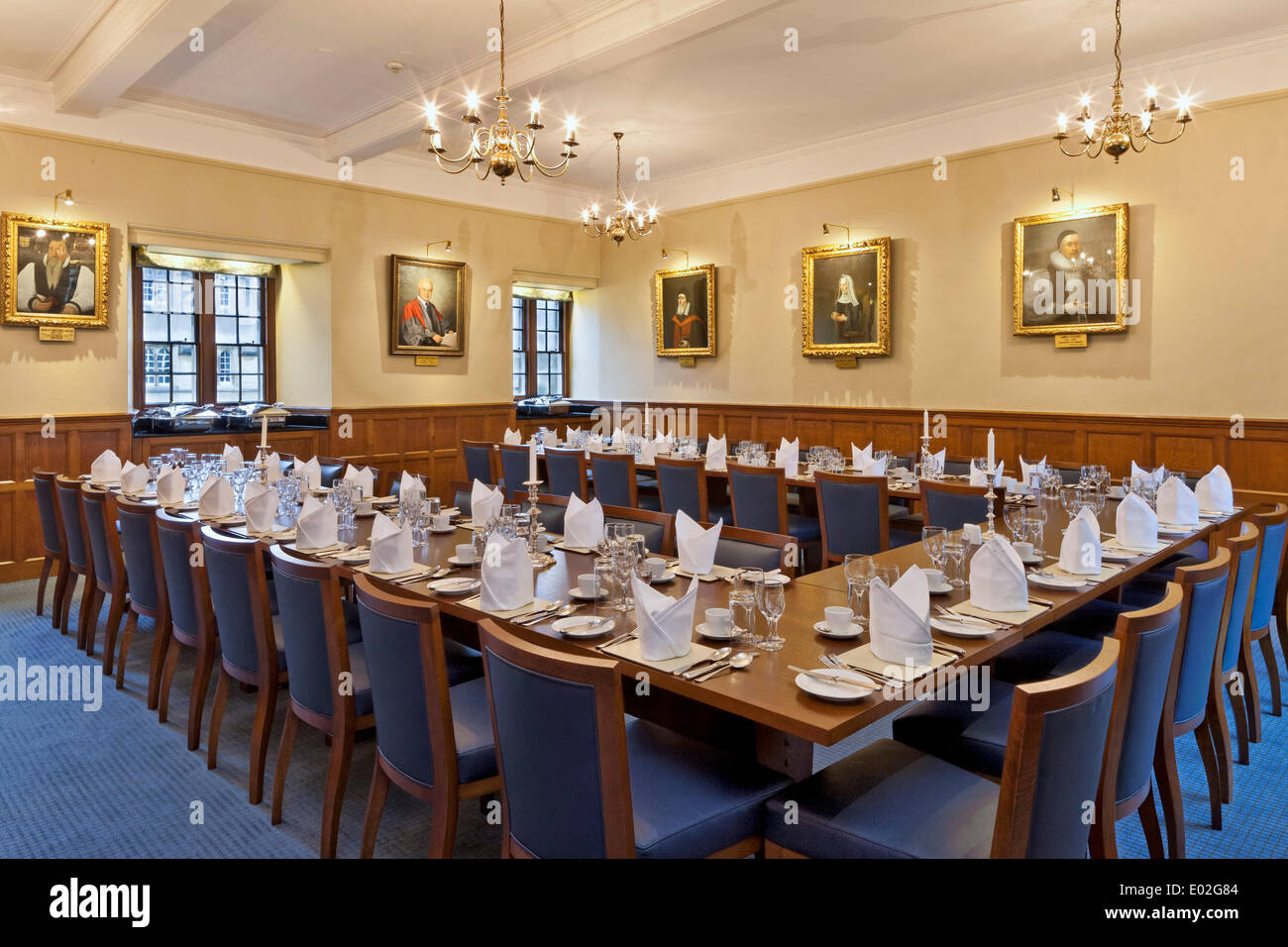 Jesus College Oxford, Oxford, United Kingdom. Architect: N/A, 1571. Small dining room. - Stock Image