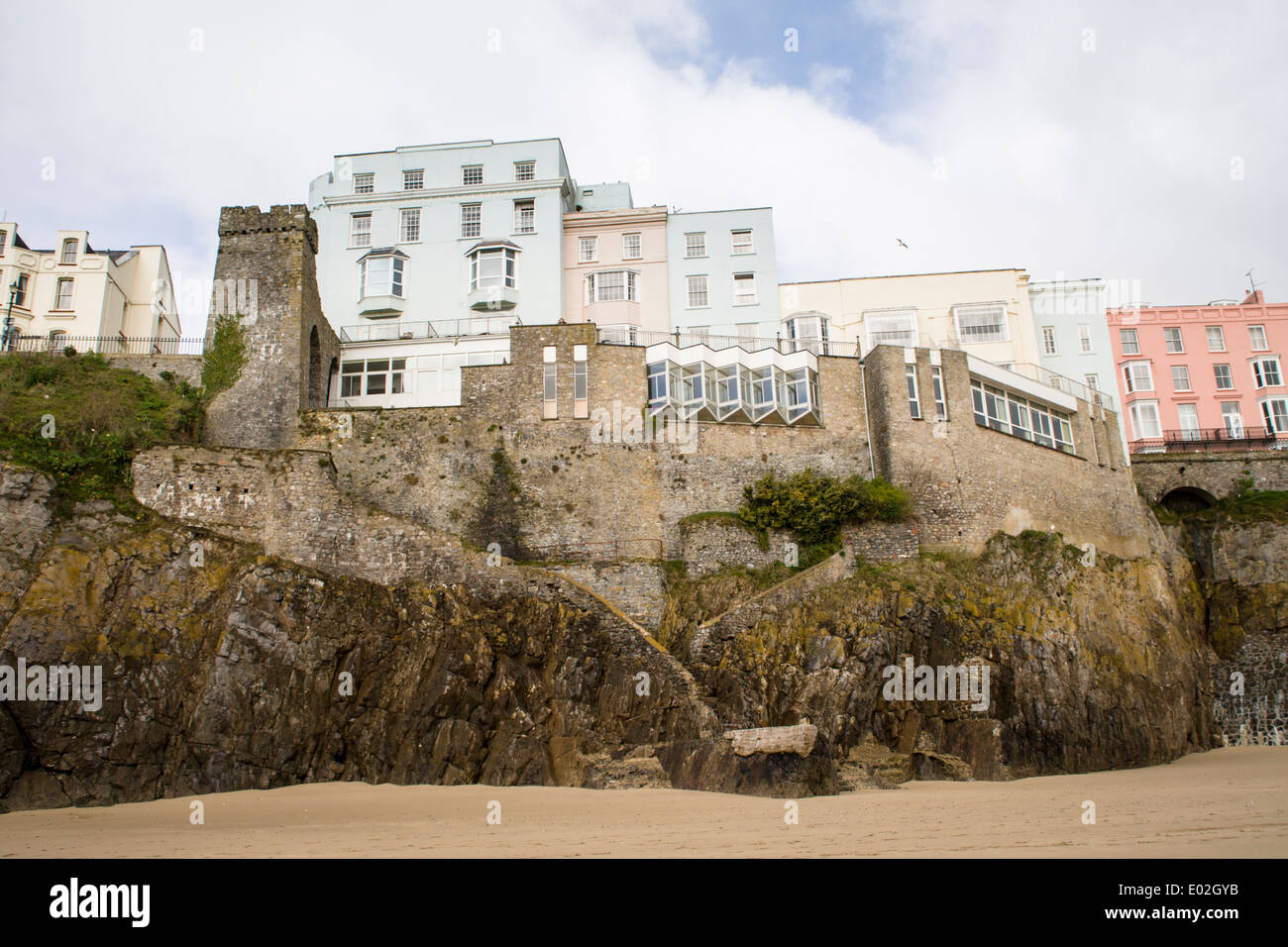 Beach front houses at Tenby, Pembrokeshire, West Wales - Stock Image