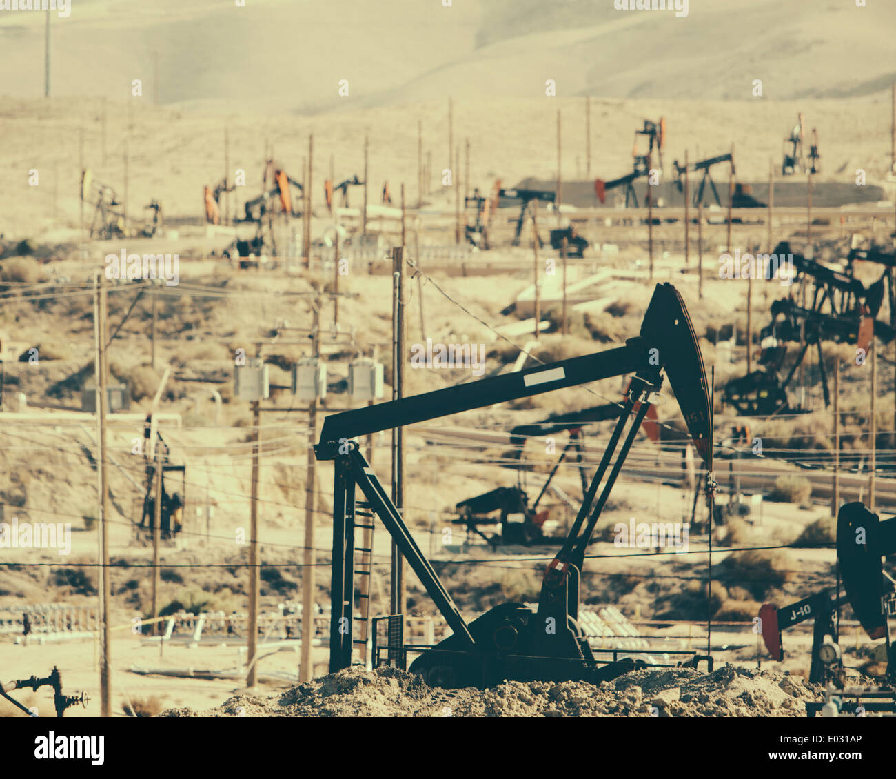 Crude oil extraction from Monterey Shale near Bakersfield California USA. - Stock Image