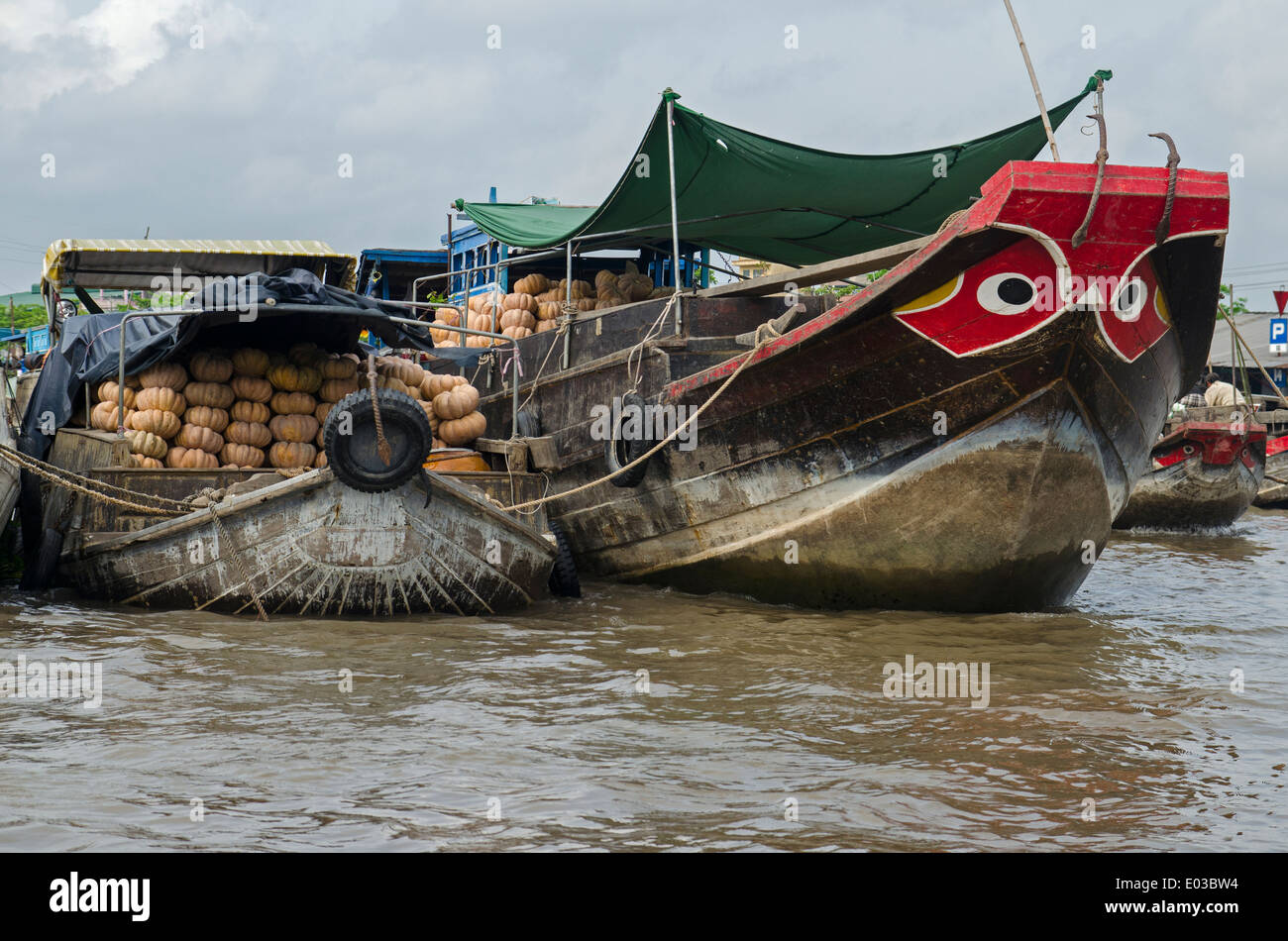 Boats selling vegetables, Can Rang floating market, Can Tho, Vietnam - Stock Image