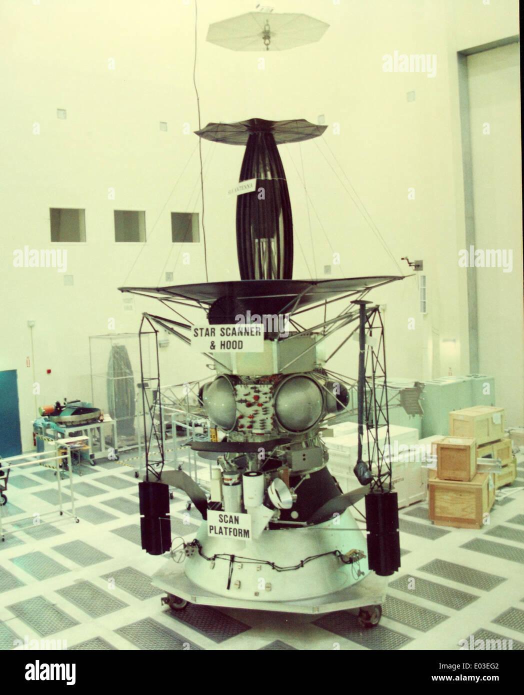 nasa galileo spacecraft - 516×640