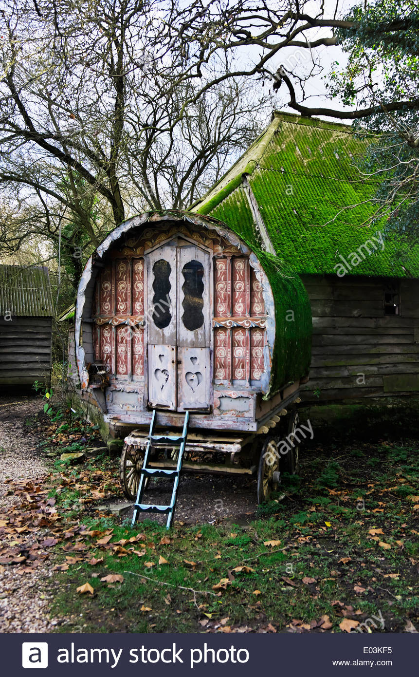 Gypsy caravan or trailer at Beckley Park, a 16th-century moated manor in Oxfordshire, England, UK. Stock Photo