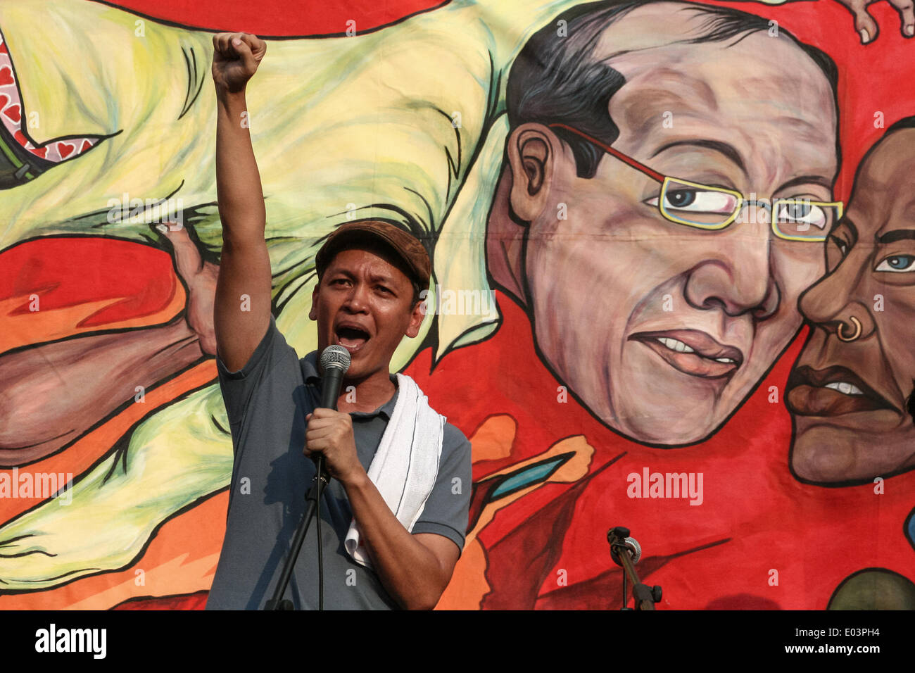 Manila, Philippines. 01st May, 2014. Renato Reyes, secretary general of Bagong Alyansang Makabayan or Bayan, airs his digust against EDCA and the alleged inefficiency of President Aquino to uplift the lives of regular Filipino workers. Hundreds of workers from different militant groups converged at the Mendiola Bridge in Manila to air their sentiments against the Aquino administration's alleged implementation of 'Cheap Labor Policy'. Credit:  PACIFIC PRESS/Alamy Live News - Stock Image