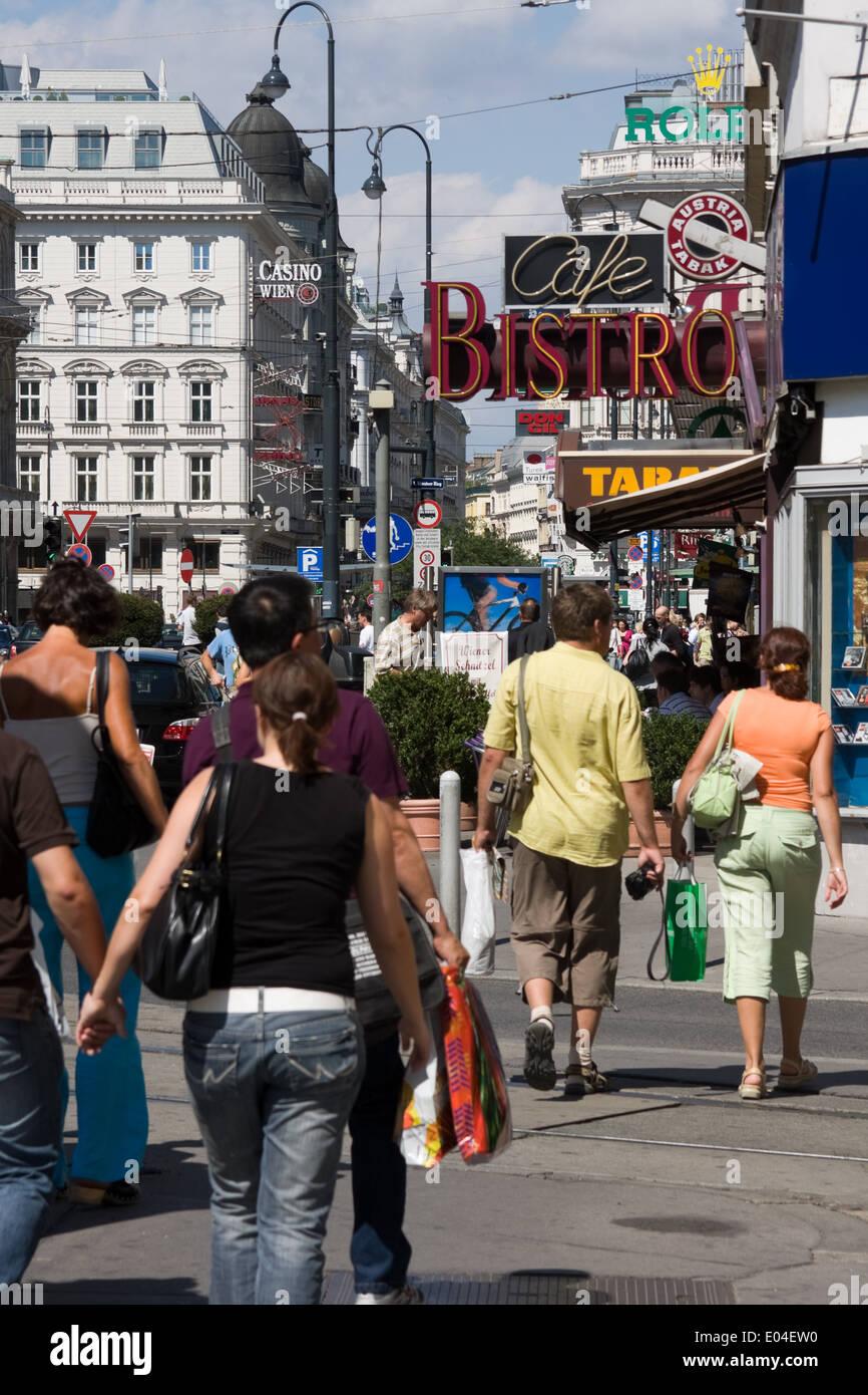 Fußgänger, Wiener Innenstadt, Österreich Stock Photo
