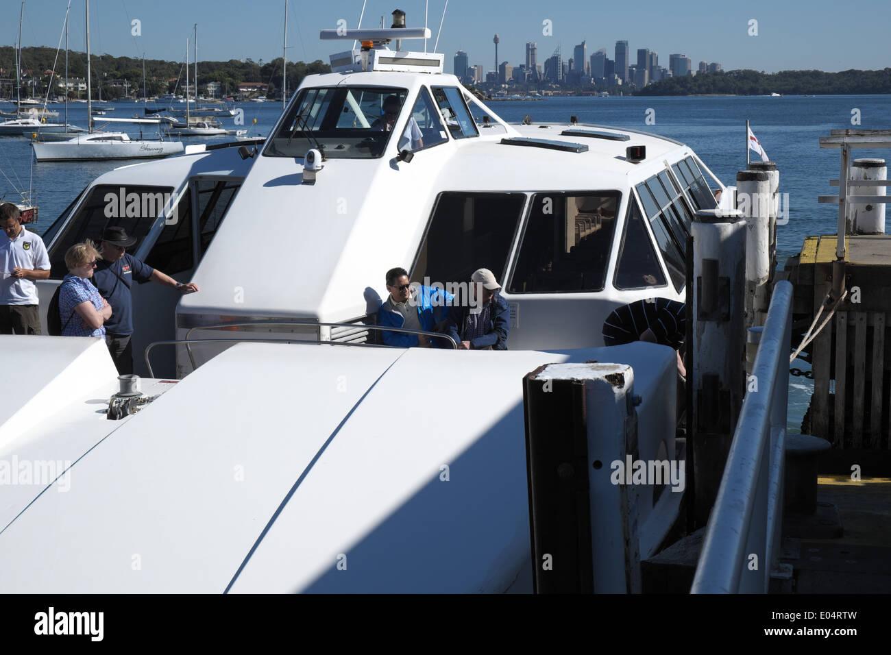 sydney ferry arrives at Watsons bay in sydney eastern suburbs,australia - Stock Image