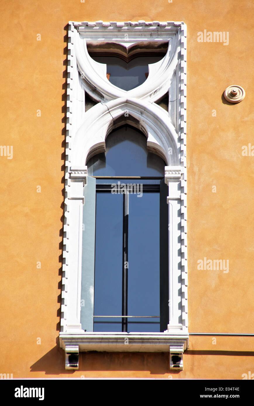 Window in the Venetian styles with costly Stuk decoration, Fenster im venezianischen Stil mit aufwendiger Stuk Verzierung - Stock Image