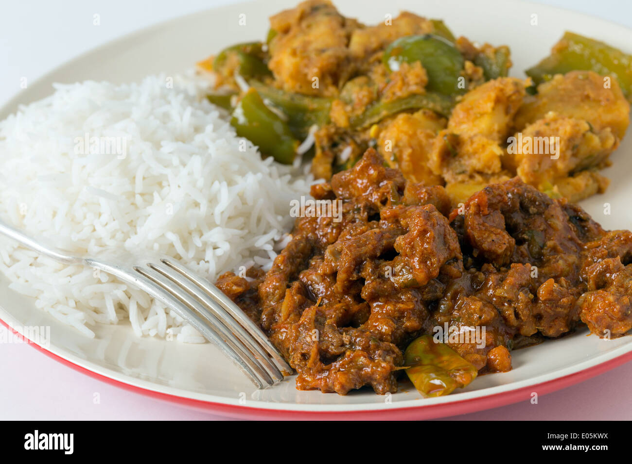 534907094c2e Indian roast beef curry with aloo capsicum