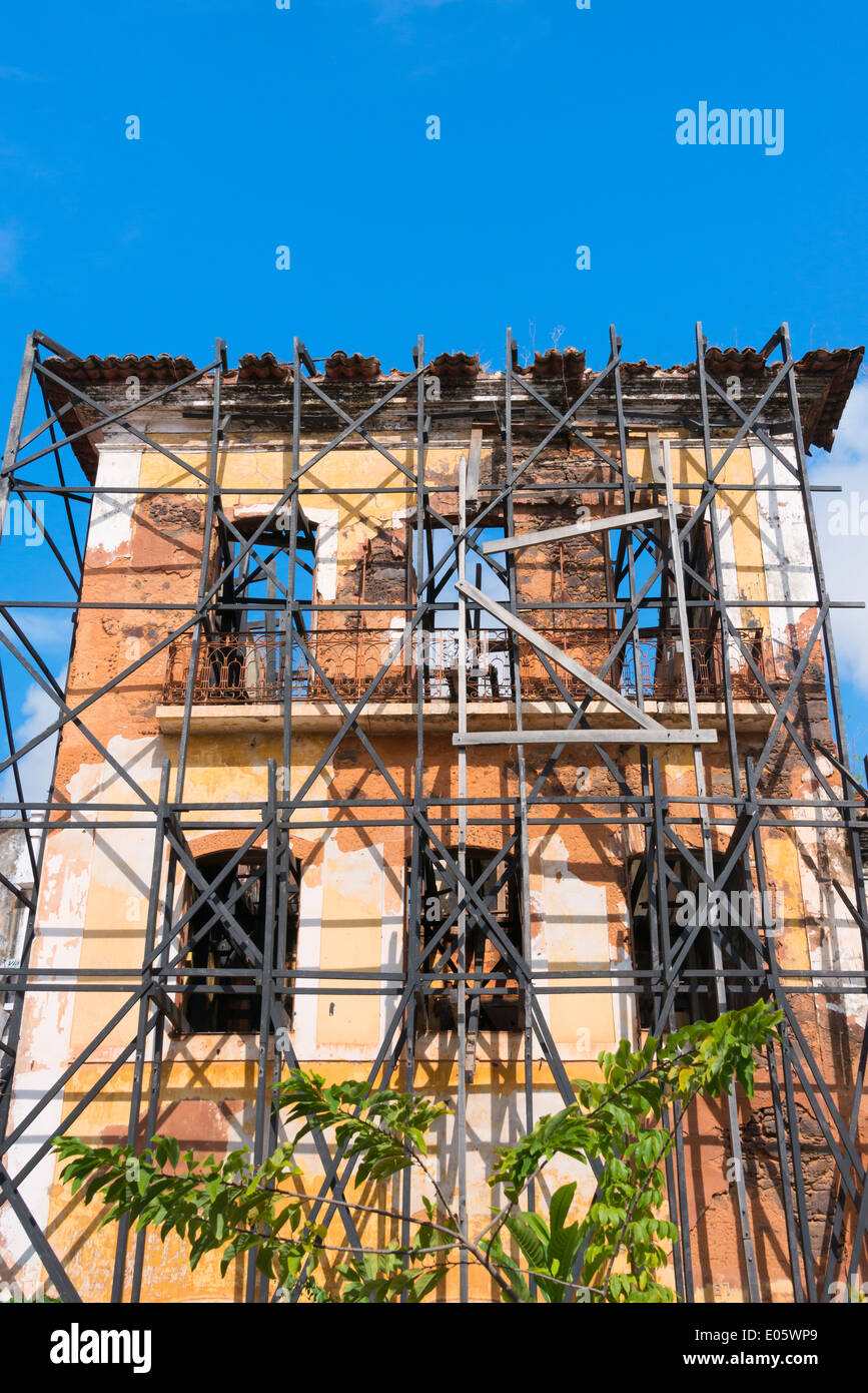 Scaffold outside a building in historic center of Sao Luis (UNESCO World Heritage site), Maranhao State, Brazil - Stock Image