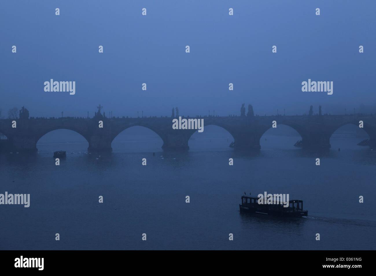 Charles Bridge in the fog - Prague, Czech Republic - Stock Image