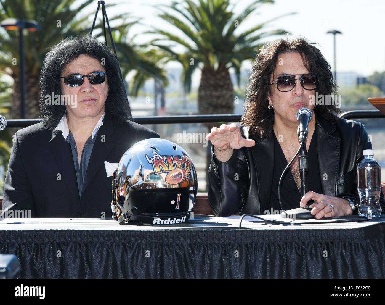 Anaheim, California, USA. 10th Mar, 2014. Kiss band members GENE SIMMONS and PAUL STANLEY pose with the newly unveiled LA Kiss Arena Football helmet on Monday morning at Honda Center. The newly formed LA Kiss, Arena Football's newest team, held their first media event at The Honda Center on Monday morning, March 10, 2014, in Anaheim. The LA Kiss, named after famed rock and roll band, Kiss, boasts two members of the band as owners, Gene Simmons and Paul Stanley. The co-owners announced a free Kiss concert for all season ticket holders as part of a $99 dollar package. (Credit Image: © Davi - Stock Image