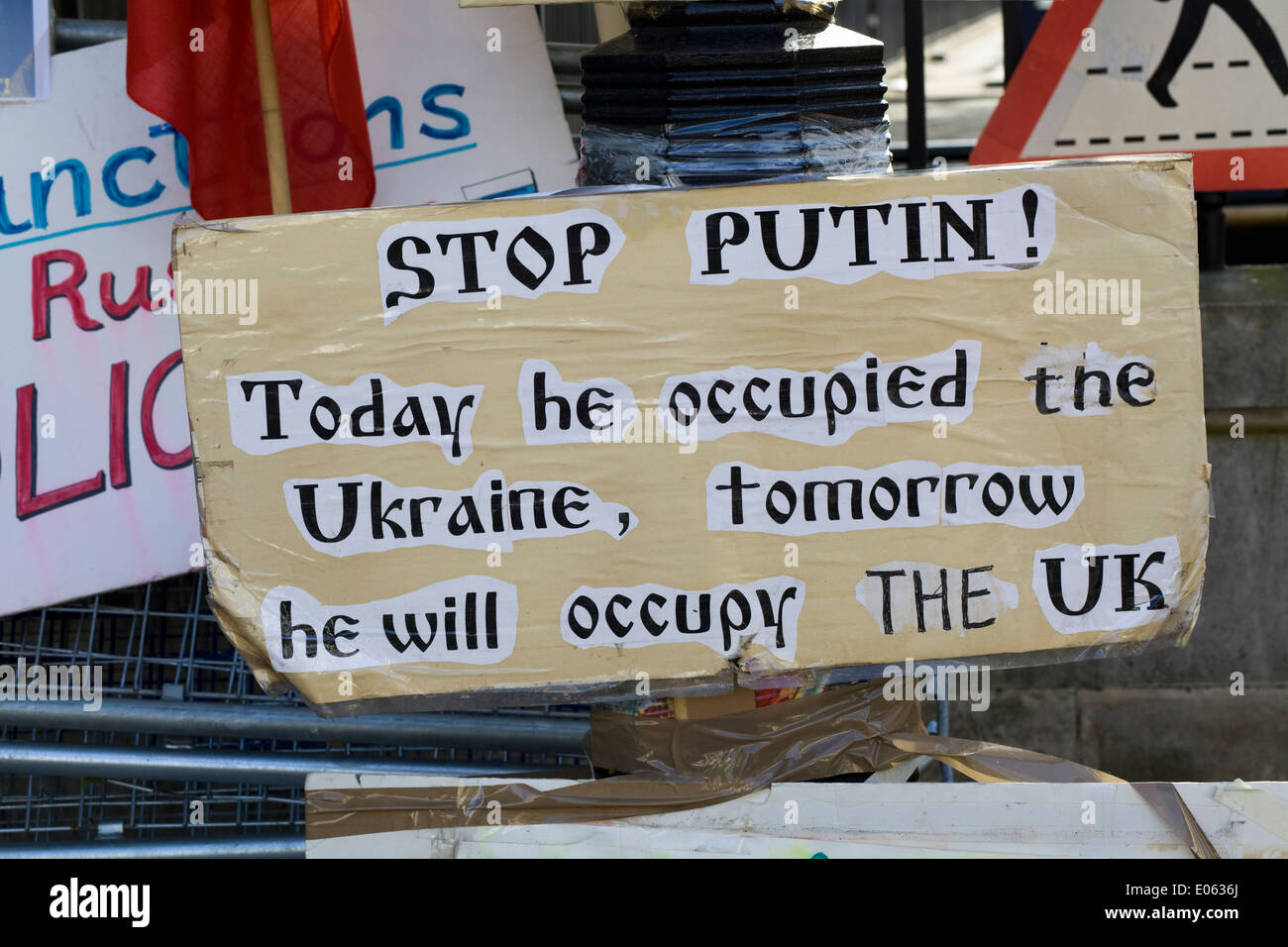 Protest outside Downing Street for the Government to take action against President Puttin invasion of the Ukraine Stock Photo