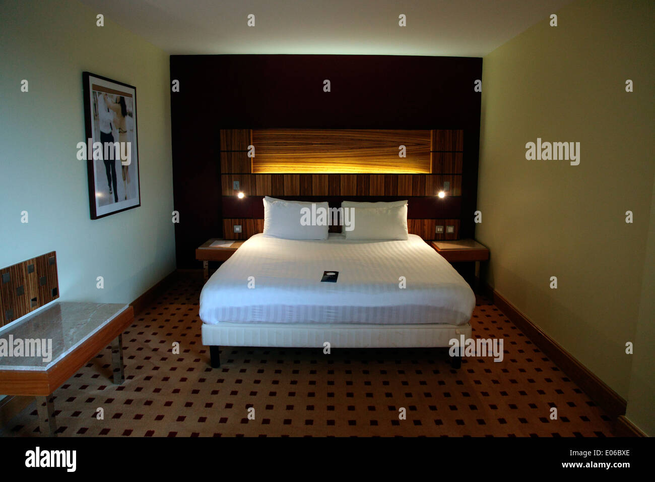 The bed in a Junior Suite in the Radisson Blu Hotel in Athlone - Stock Image
