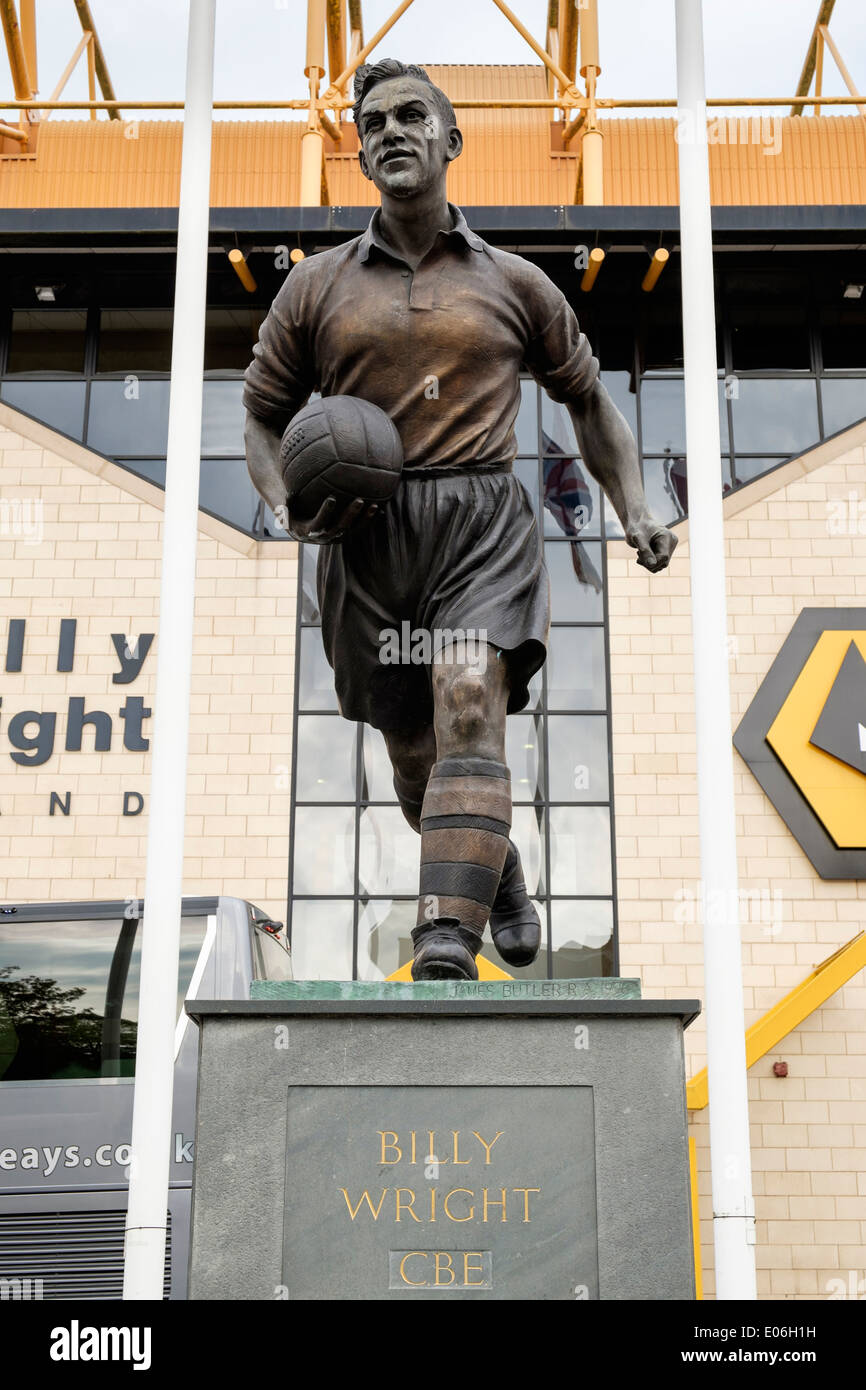 Billy Wright statue outside Wolverhampton Wanderers or Wolves football club ground Molineux stadium Wolverhampton West Midlands England UK - Stock Image