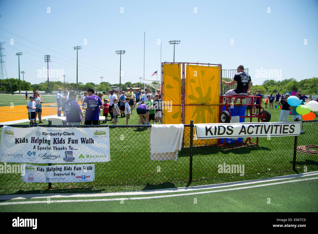 Knoxville, Tennessee, USA. 04th May, 2014. Harrison Smith Of The Minnesota Vikings Professional Football Team In The Dunk Tank At The Kids Helping Kids Fun Walk In Knoxville, Tennessee, USA on May 4, 2014 Credit:  Marc Griffin/Alamy Live News - Stock Image