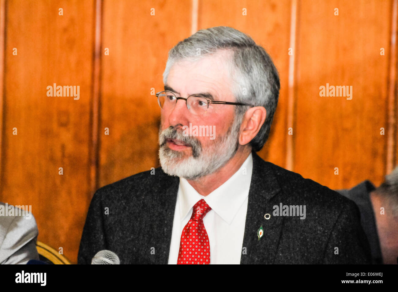 Belfast, Northern Ireland. 4 May 2014 - Gerry Adams holds a press conference, less than an hour after his release from PSNI questioning. Credit:  Stephen Barnes/Alamy Live News - Stock Image