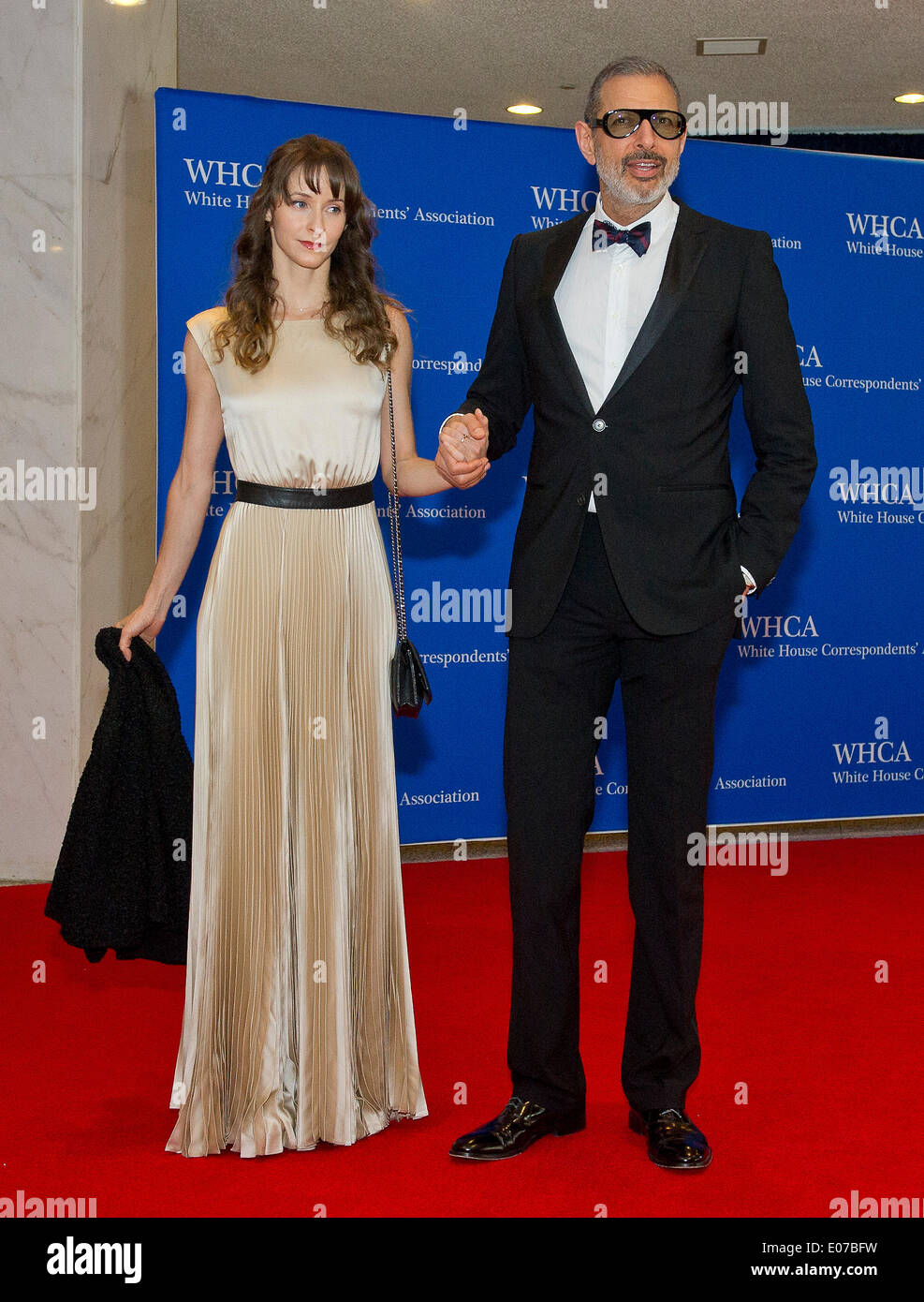 Washington, DC, USA. 03rd May, 2014. Emilie Livingston and Jeff Goldblum arrive for the 2014 White House Correspondents Association Annual Dinner at the Washington Hilton Hotel in Washington, DC, USA, 03 May 2014. Photo: Ron Sachs/CNP (RESTRICTION: NO New York or New Jersey Newspapers or newspapers within a 75 mile radius of New York City) - NO WIRE SERVICE/dpa/Alamy Live News - Stock Image