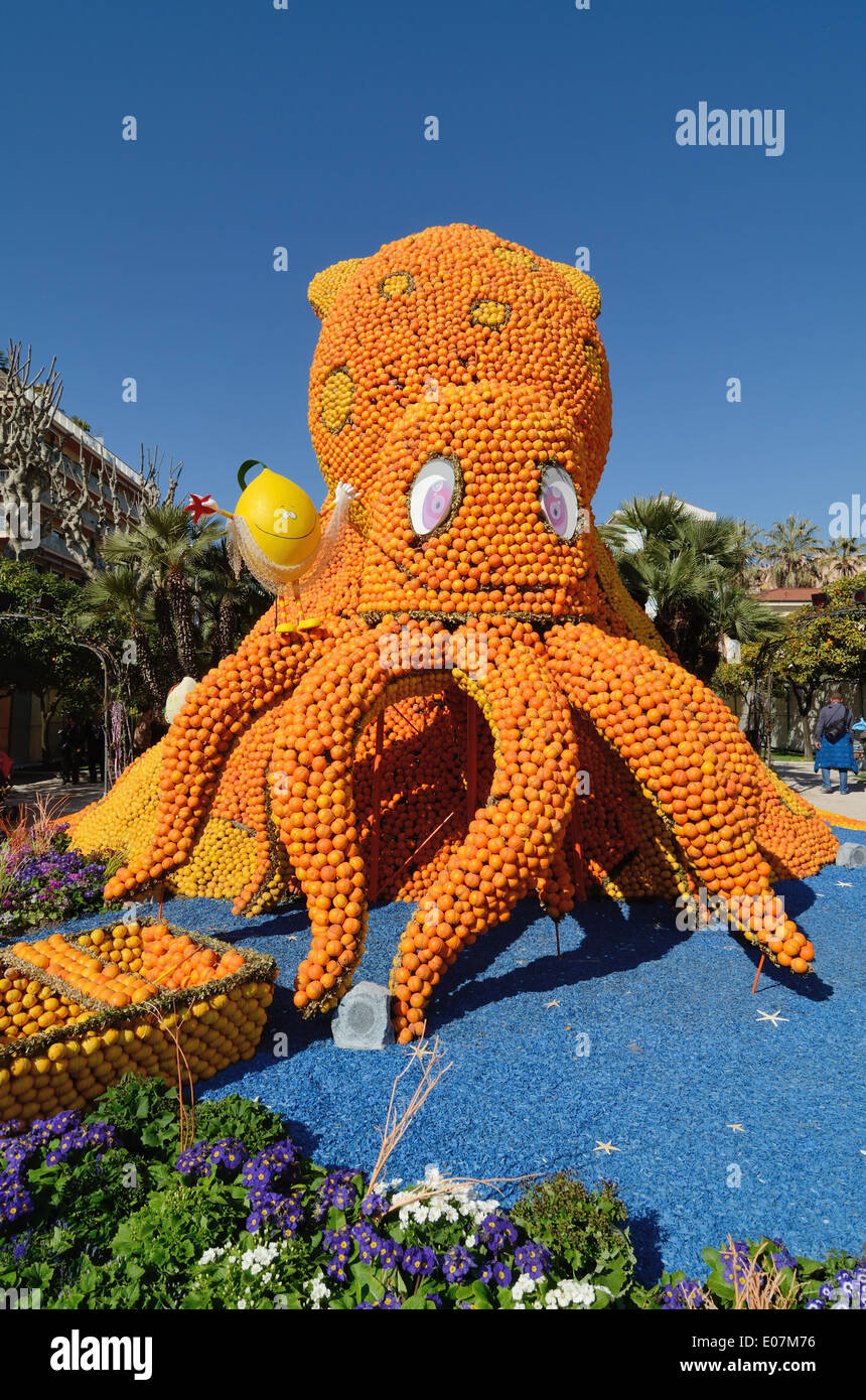 Giant Octopus or Giant Squid Sculpture made from Oranges at the Annual Lemon Festival or Fête du Citron Menton Alpes-Maritimes France - Stock Image