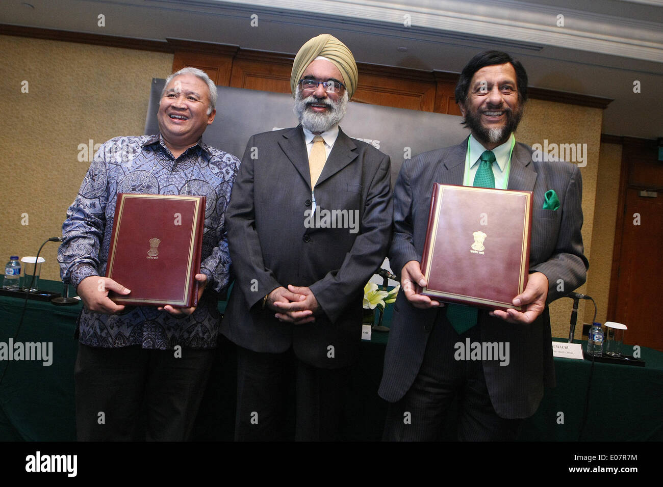 May 5, 2014 - Central Jakarta, Jakarta, Indonesia - Chancellor of TERI University, Dr. R.K. PACHAURI (right), The Stock Photo