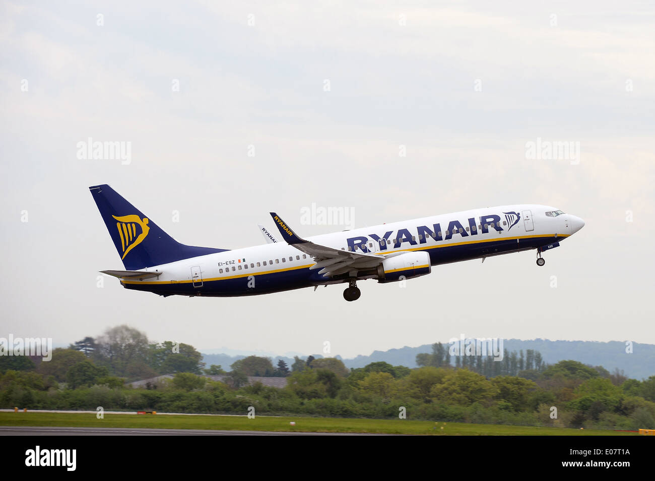 A Ryanair Boeing 737 taking off at Manchester Airport. - Stock Image