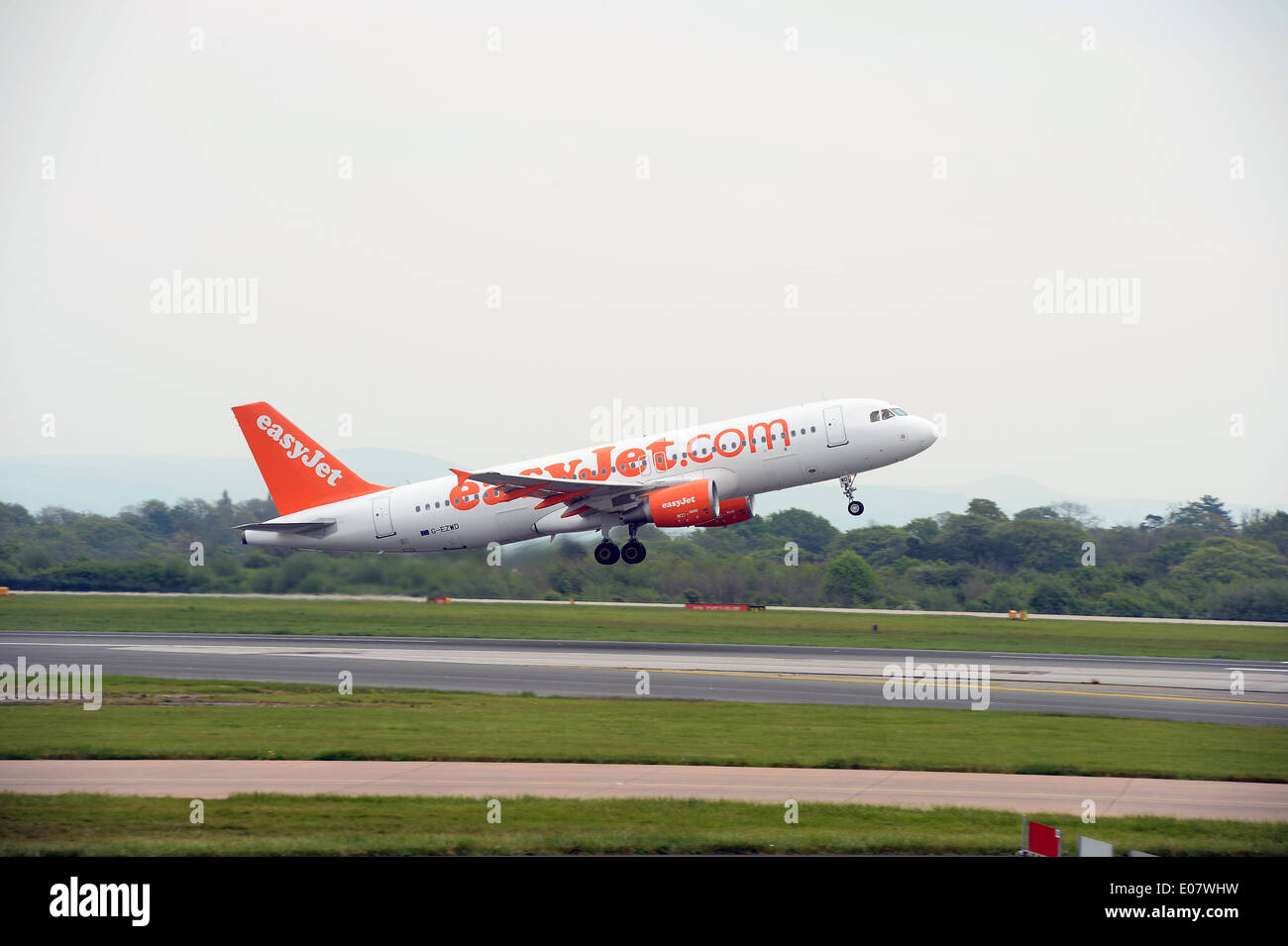 Easyjet plane taking off at Manchester Airport - Stock Image